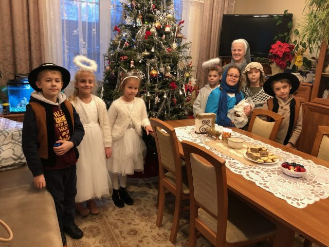 Caroling — Kolędowanie po domach z dziećmi ze scholi